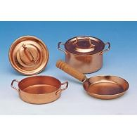 Pots and pans with lids