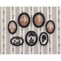 Oval frames with pictures / profiles